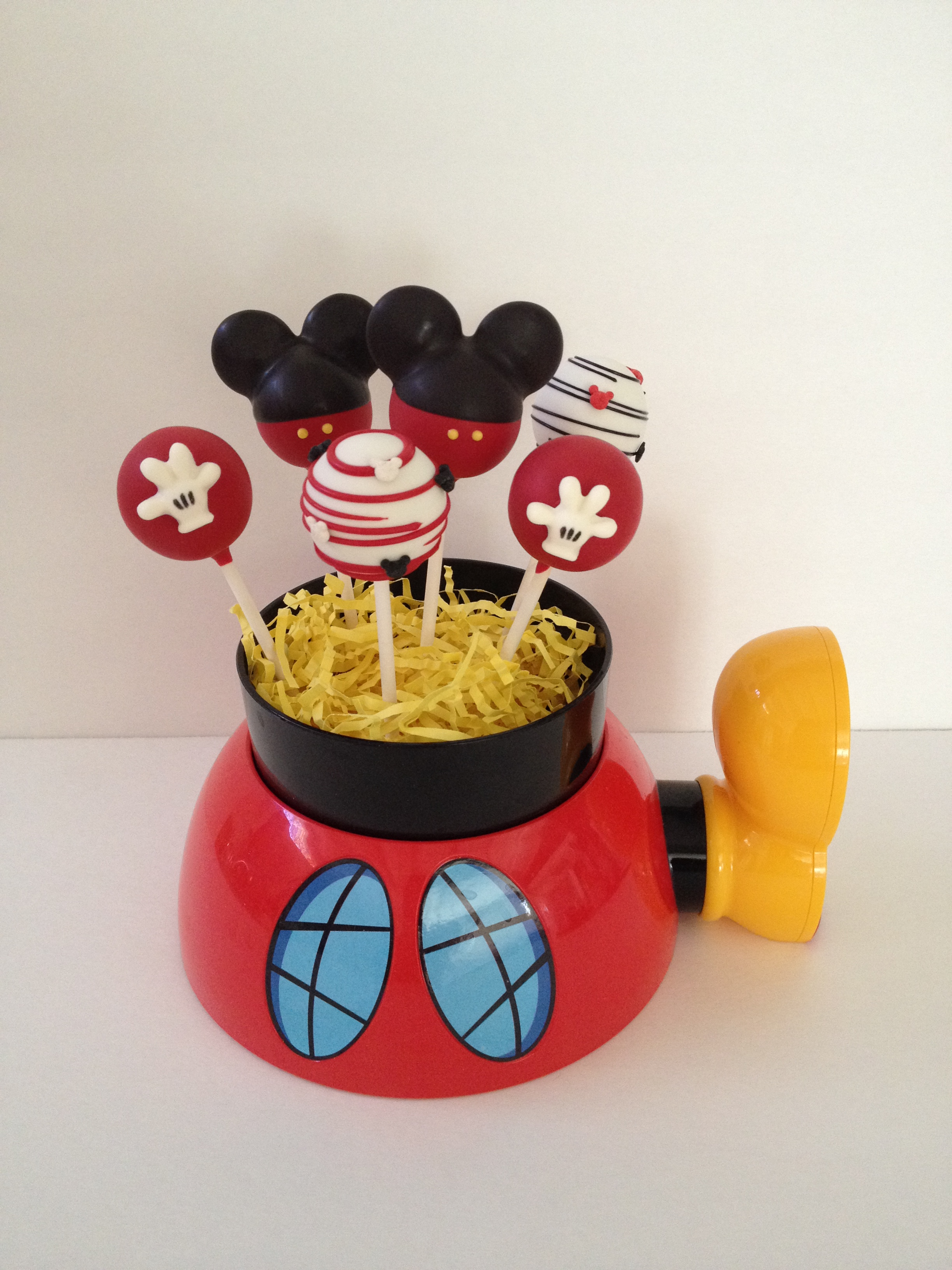 mickey mouse cake pops tutorial